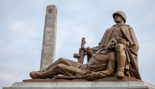 Kto spoczywa na radzieckich cmentarzach