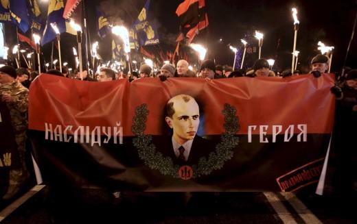 Bandera na cokole Lenina