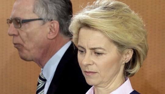 Kto depcze po piętach Angeli Merkel