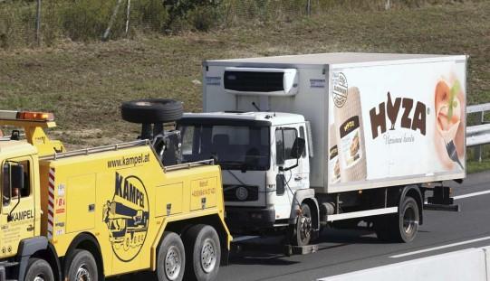 71 ciał w ciężarówce