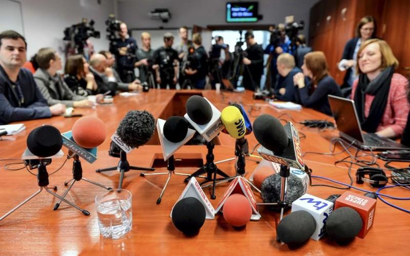 Media popłynęły