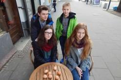 Wolontariusze spod znaku jaja