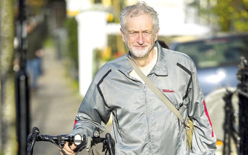 Corbyn wygrywa poglądami