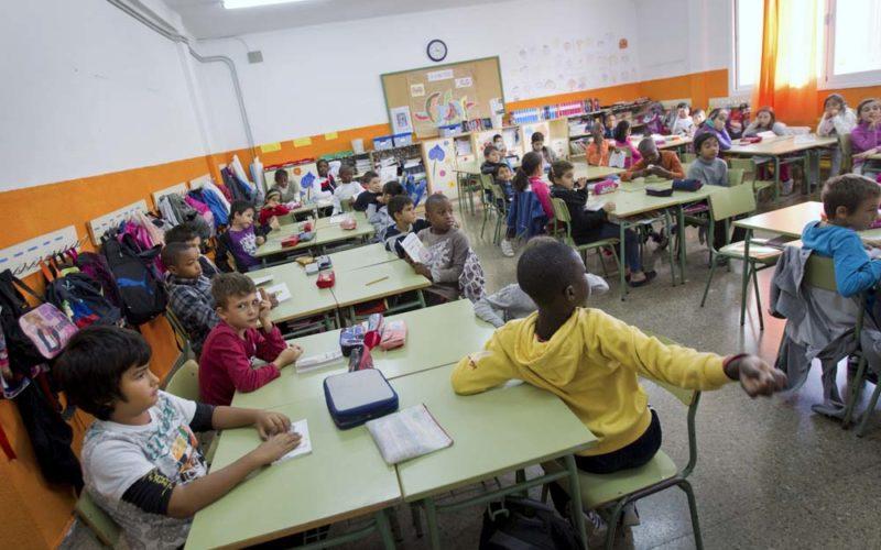 Krzyś idzie dohiszpańskiej szkoły