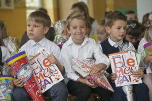 Dzieci na inauguracji roku szkolnego
