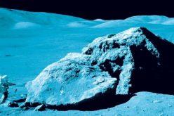 Człowiek wyje doKsiężyca