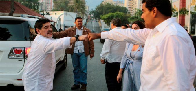 Wenezuela wrękach Madura