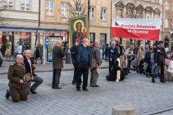 Widma, duchy, mity… Oto świat polskiej polityki