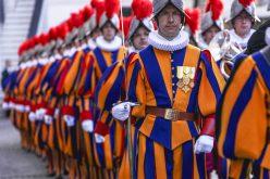 Szwajcarscy gwardziści podrywani przezkardynałów