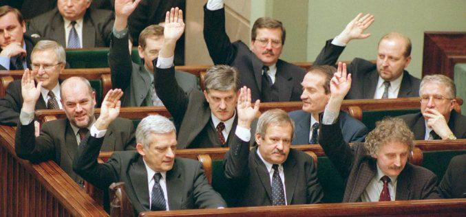 Gdybyliczyć głosy metodą Sainte-Laguë, PiS miałoby 200 posłów