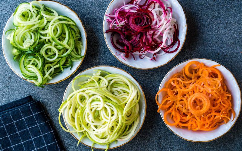 Jak pokroić warzywa naimprezę? 7 niezawodnych przyrządów!