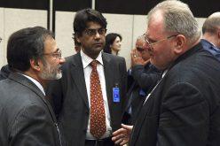 Dorzynanie dyplomatów