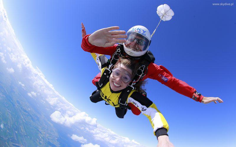 Tandemowe skoki spadochronowe – skocz ispełniaj swoje marzenia!