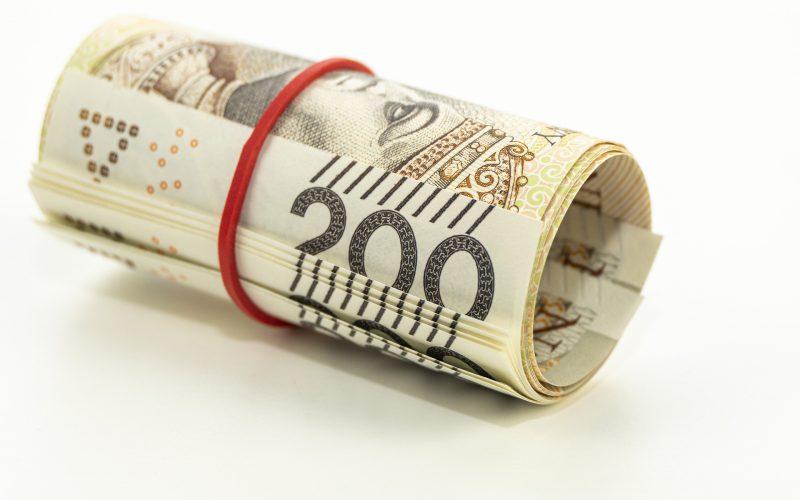Pieniądze tylkodla przychylnych władzy