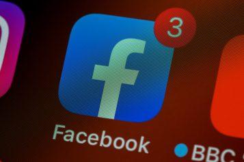 Facebook blokuje Australię