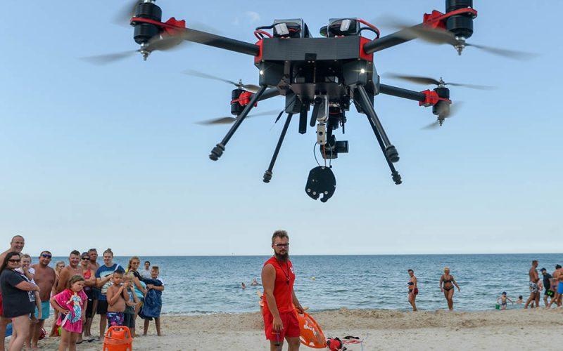 Drony naratunek
