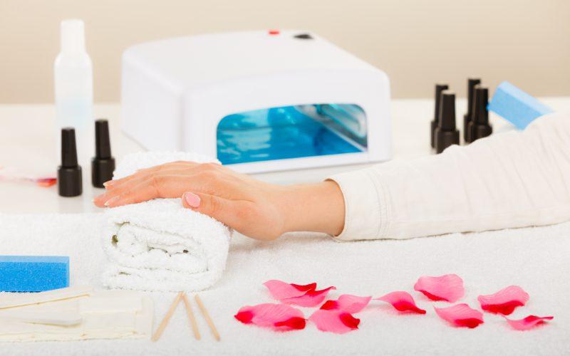 Zestaw domanicure – wygoda dla miłośniczek pięknych paznokci