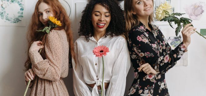 Sukienki nawiosnę – poznaj trendy 2021