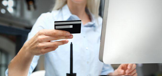 Jak zaoszczędzić nazakupach online?
