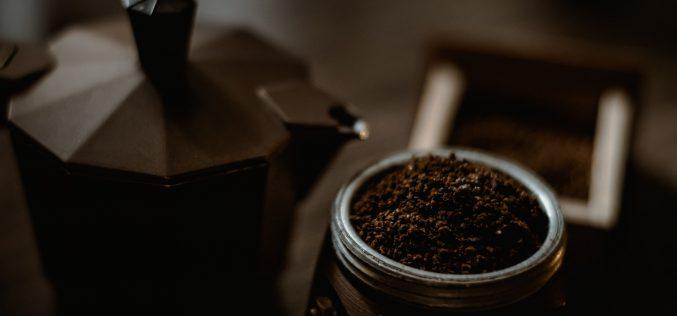 Jaka kawiarka jest lepsza – stalowa czyaluminiowa?
