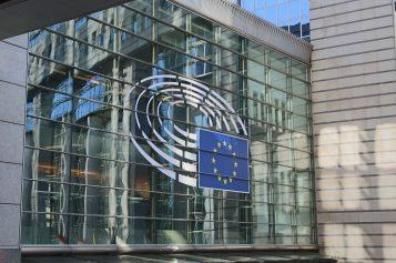 Czarnecki winny 100 tys. euro