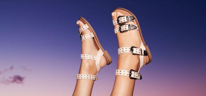 Naco zwrócić uwagę kupując sandały?