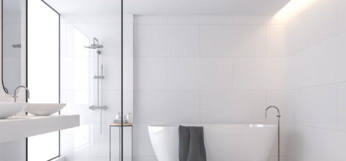 Łazienka wbieli – jakie płytki sprawdzą się najlepiej dojasnego wnętrza nalata?