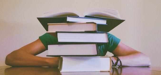 Jak wybierać podręczniki szkolne?