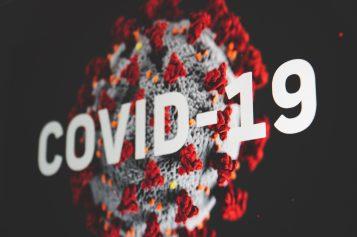 Wzrost zakażeń COVID-19 o42 proc.