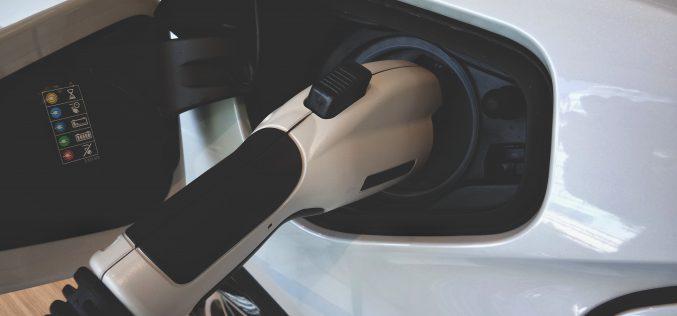 Milion samochodów elektrycznych w2025?