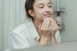 Tonizacja twarzy – jak ją wykonać ijakich kosmetyków użyć?